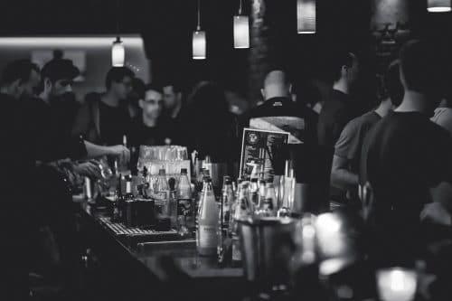 Barmedewerker inhuren